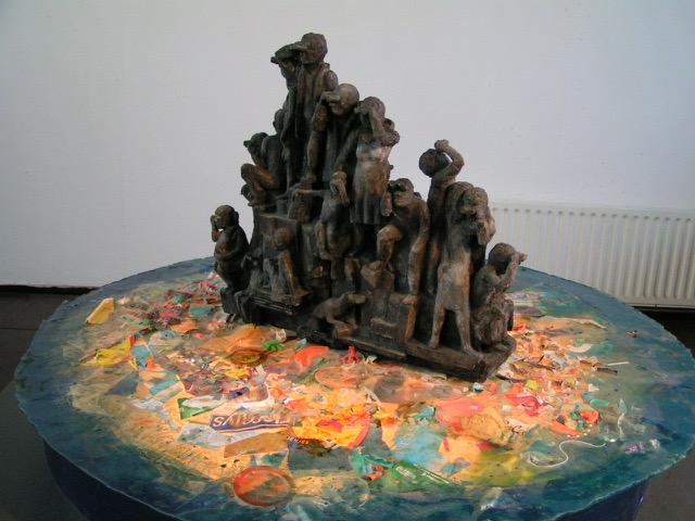 Dat doen we onze kinderen toch niet aan, ofwel soms? Een bewegende installatie met het thema milieu en immigratie.